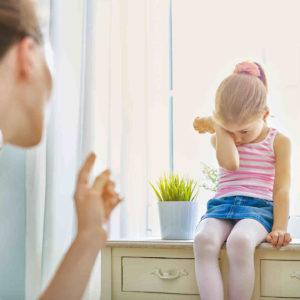 Kind wird durch Beschimpfen erzogen